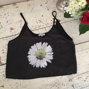 🌼L.A. Hearts daisy cropped tank size m.